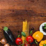 【3人家族の食費】総務省と雑誌のアンケート結果から、わが家の食費を反省してみる